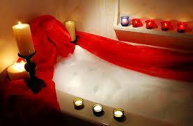 Vasca Da Bagno Romantica Con Candele : Cosa vorresti fare a san valentino ?? bagno caldo incensi e